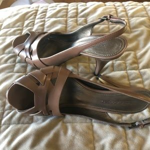 NWOT Size 8 Joan and David brown heels.